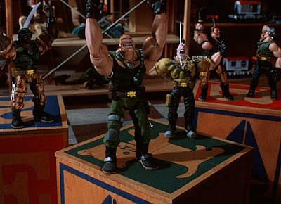 Sinopsis Film Small Soldiers