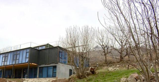 El primer eco-hotel de contenedores abre en Ereván