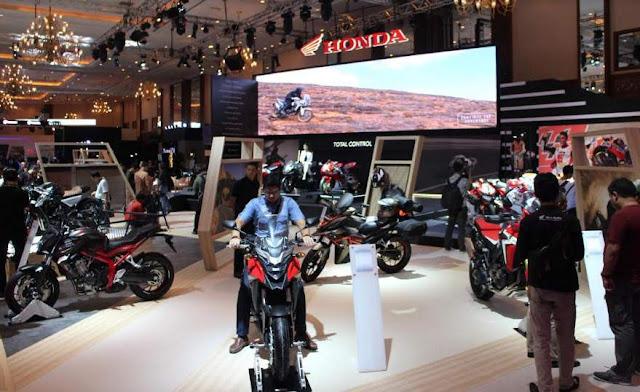 Booth-Honda-IMOS2016