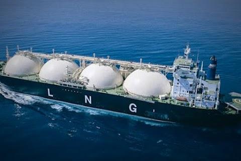 Úszó LNG-terminált avattak Kalinyingrádnál, megszűnt a függés a litván gáztranzittól