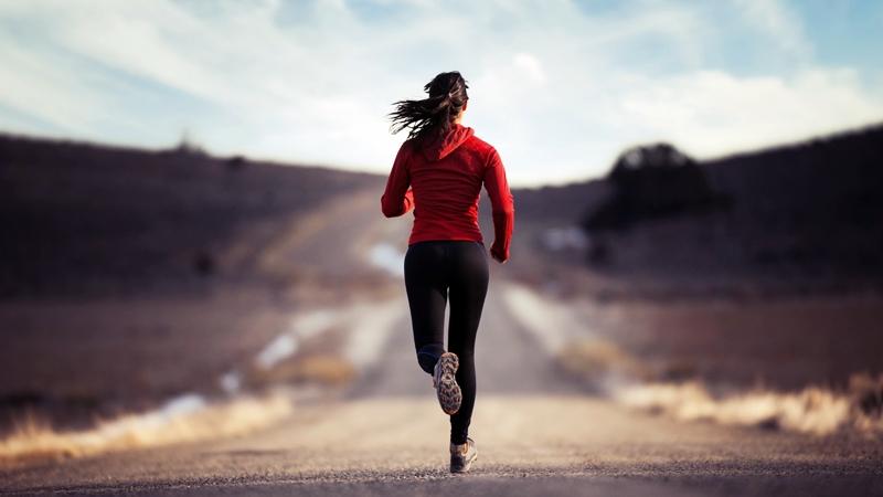 4 Bahaya yang Bisa Muncul Jika Anda Lari Pakai Jaket