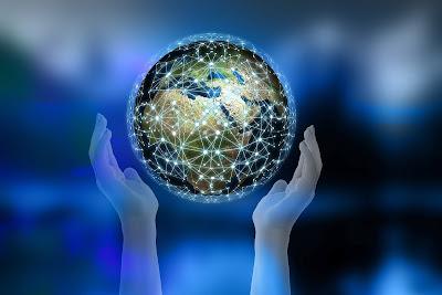 世界が手に取れるように情報が駆け巡るネット社会