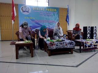 Dialog Public HMW  Optimalisasi Peran Perempuan sebagai Rahim Peradaban di Era Milenial