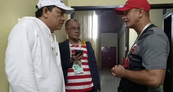 Pelatih dan Manajer Madura United Terlibat Diskusi Serius, Hasilnya Mengejutkan!