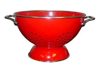 A Colander for keeping fresh fruits and vegetables