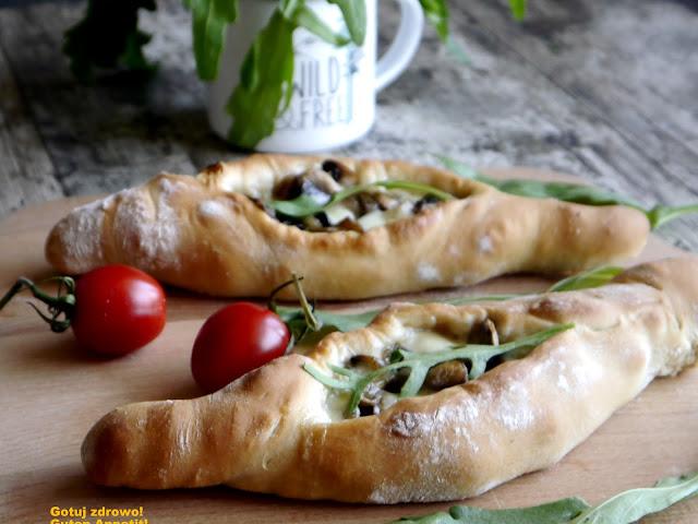 Pide - turecka pizza - Czytaj więcej »