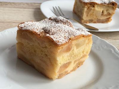 Pyszne ciasto z jabłkami na deser