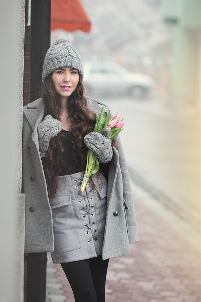 grey coat, gray skirt, gray hat, gloves, tulips, newchic. zara, H&M, velvet boots deezee, bochnia