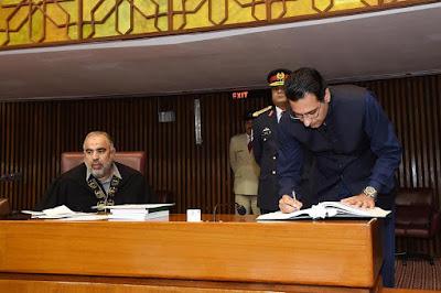 آج مونس الہی اور چوہدری سالک حسین نے پاکستان کی15 ویں نیشنل اسمبلی کی رکنیت کا حلف اٹھایا