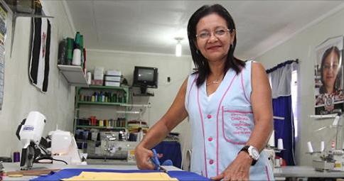 Garra e empreendedorismo de costureira alagoana viram matéria em revista de circulação nacional, conheça a história de vida de  Maria das Graças Correia