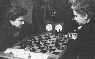 Partida de ajedrez Sofía Ruiz y Gloria Velat, Madrid 1950 3ª ronda