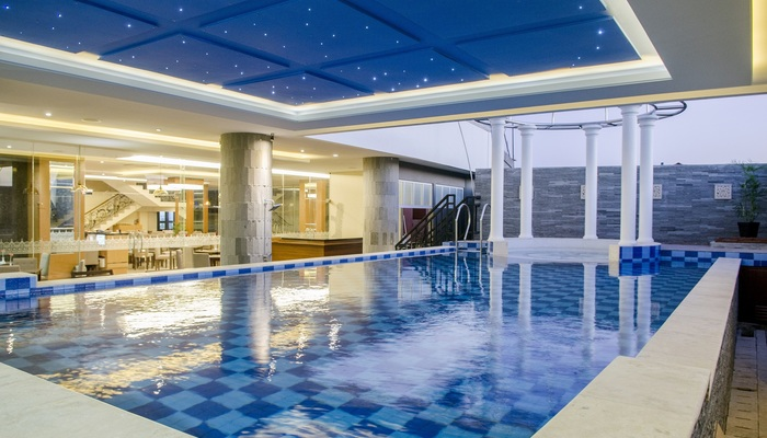 Swimming Pool TARA Hotel Yogyakarta