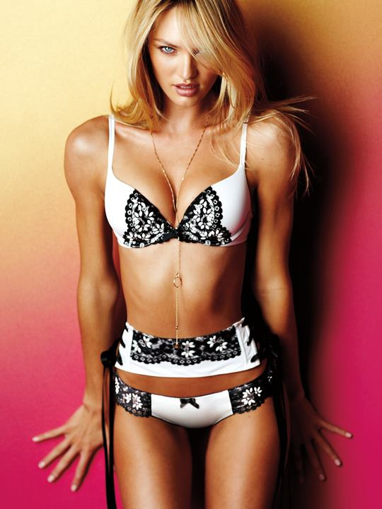 Long legs and toned abs for the Victoria's Secret Very ...