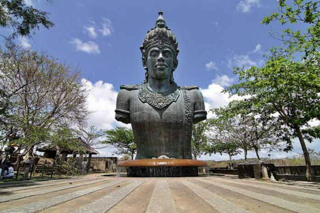Patung GWK Ikonik NuArt Sculpture Park