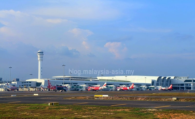 photographs of klia2 airport