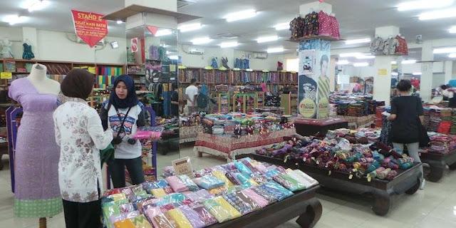 Batik Trusmi Cirebon.