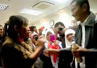 Ira Resnawati TKW Hongkong sukses Menjual Jamu Gendong