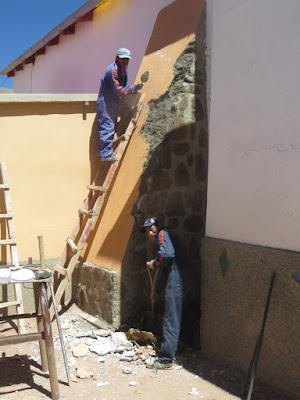 an der renovierten Pfarrkirche hat es immer wieder Gebäudeschäden