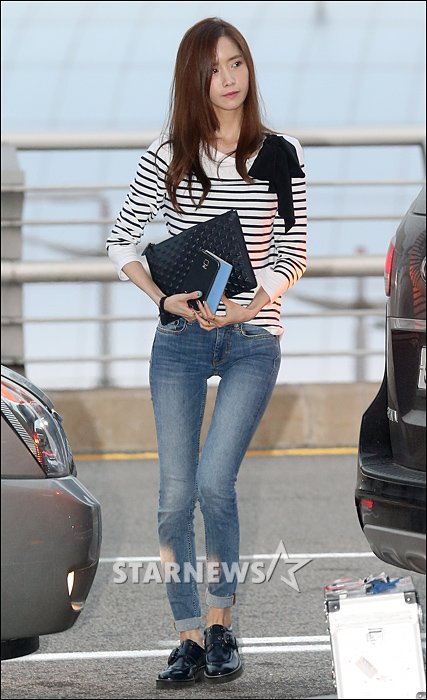 [Photo] Unflattering legs of Yoona | Daily K Pop News