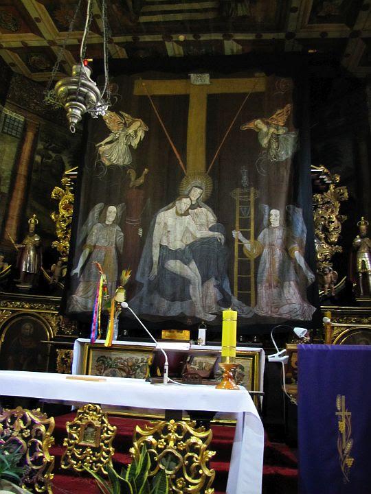 Kurtyna wielkopostna - Pieta i Arma Christi.