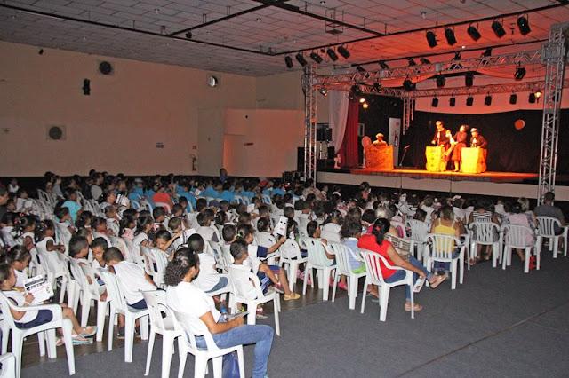 Festival Abril pra Cena leva cultura e arte à população de Registro-SP