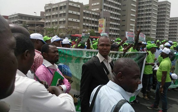Thousands Of Igbo Students flood Abuja In Solidarity With Buhari