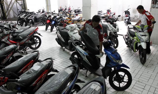 Sebarkan, Banyak Dealer Motor Menolak Pembelian Secara Tunai