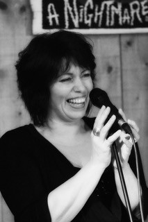 Nathalie Herczog noir et blanc