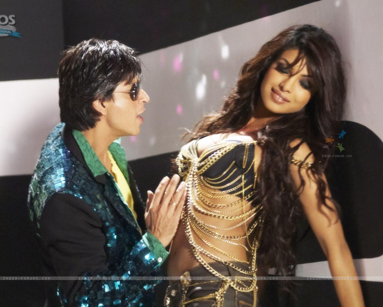 Priyanka Chopra Hot Sexy Beautiful 2011 Wallpapers -2475