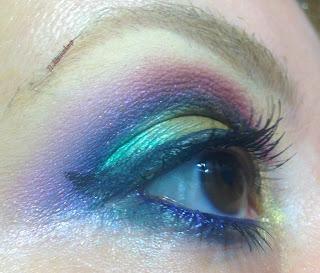 eye_makeup_look_green_gold