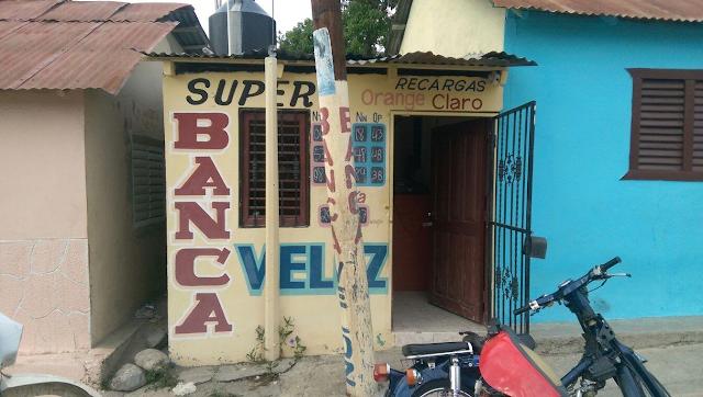 Encapuchados atracan banca Lotería Veloz Padre las Casas.