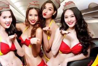 Pramugari cantik pakai bikini di maskapai Viet Jet Air