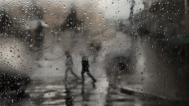 Ο μετεωρολόγος Καλλιάνος προειδοποιεί: Βροχές, καταιγίδες και αφρικανική σκόνη θα σαρώσουν την Ελλάδα από την Κυριακή.