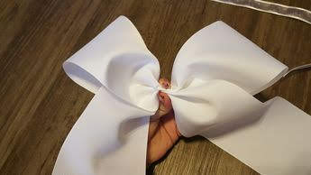 cheer bows, no sew bow, easy cheer bow, quick and easy, cheerleading