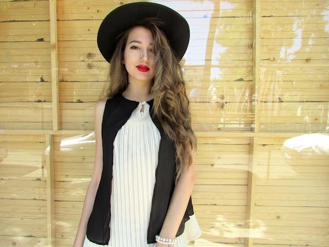 greek fashion blogger Βενετια Καμαρα