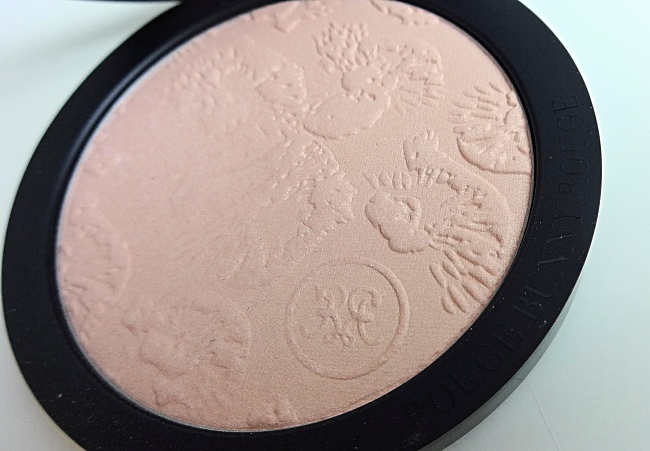 Rouge Bunny Rouge Highlighting Powder Loves Lights Goddess review