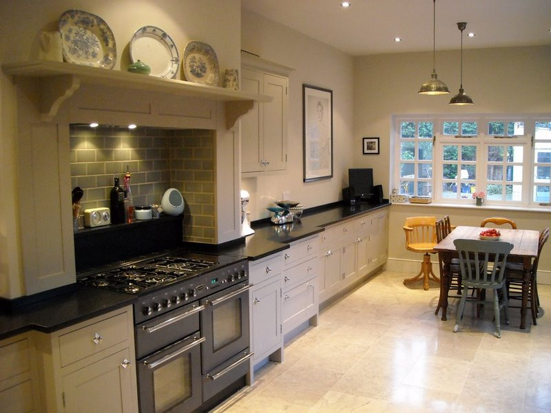 Wimbledon Contemporary Take On A Traditional Kitchen Higham Furniture