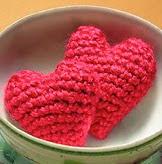http://translate.google.es/translate?hl=es&sl=it&tl=es&u=http%3A%2F%2Fwww.instructables.com%2Fid%2FCrocheted-Amigurumi-Style-Hearts%2Fstep2%2FPattern%2F
