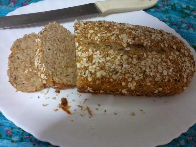 Receita de pão de fibra integral com aveia e gergelim
