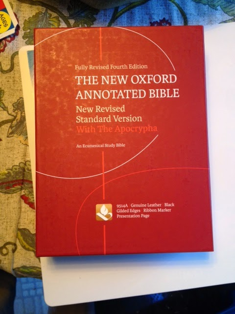 The new oxford annotated bible, new revised standard version.