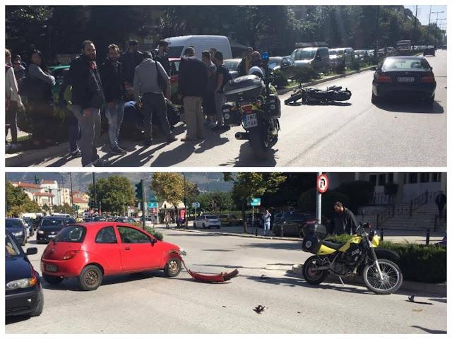 Μηχανή συγκρούστηκε με αυτοκίνητο