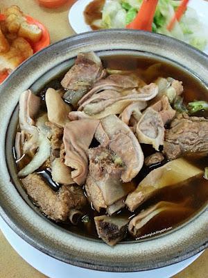 Chuan kee bak kut teh 泉记肉骨茶