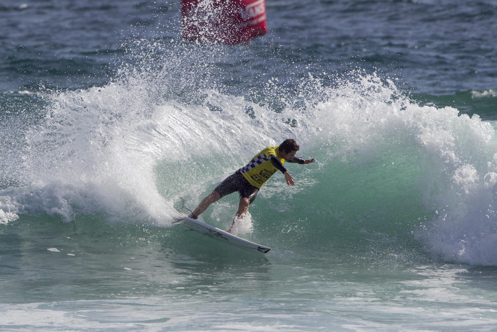 4 Gony Zubizarreta Vans US Open of Surfing Sean Rowland