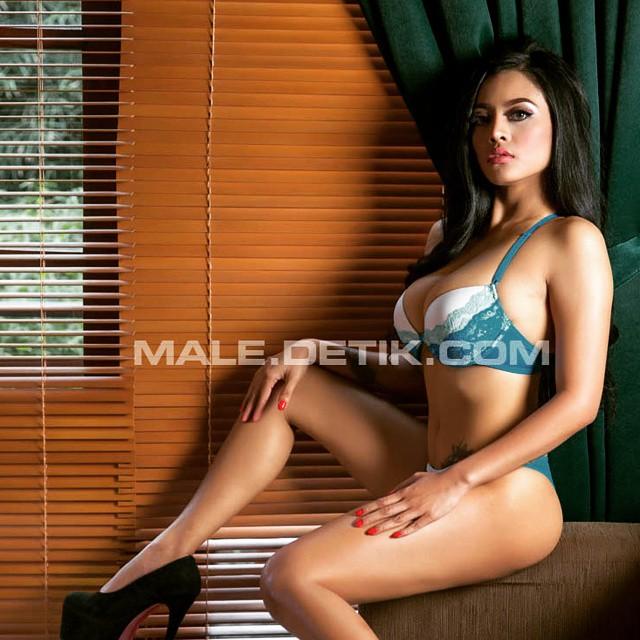 Aprilla Vigee Sexy at LightsOn Male Magazine