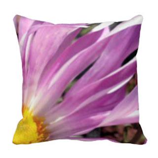 Lavender petals throw pillow