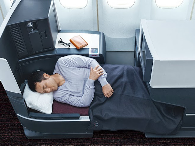 The JAL SKY SUITE II seat can turn into a fully flat bed