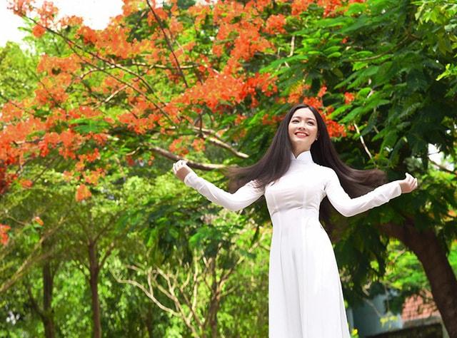 Quỳnh Trâm thướt tha trong tà áo trắng nữ sinh khi mùa phượng vĩ về -1