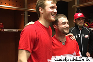 Daniel Radcliffe spends New Year's Eve at Detroit Red Wings game