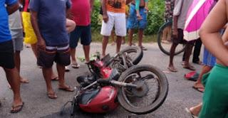 Homem morre em colisão de motocicletas