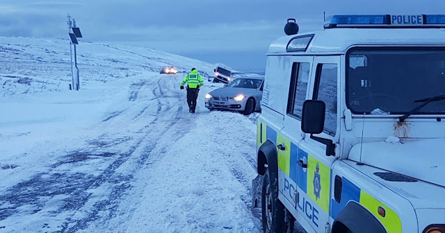Snow closes Greenfield Road, plus Huddersfield breaking news, M62 and travel